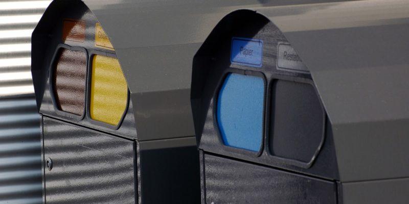 Contenedores de basura reciclaje colores